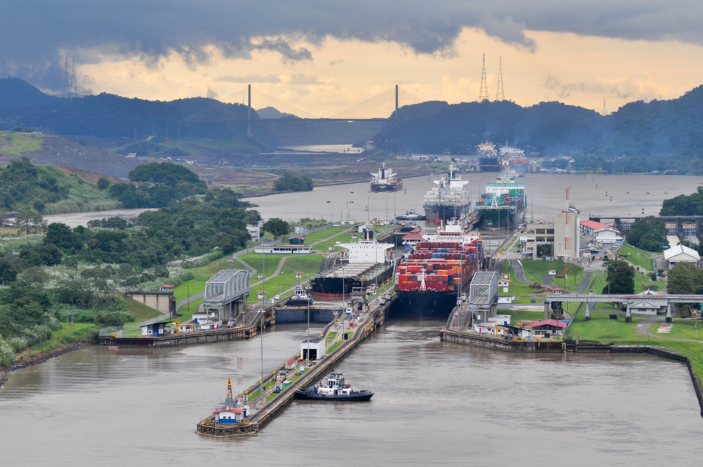 SHIPS IN THE PANAMA CANAL
